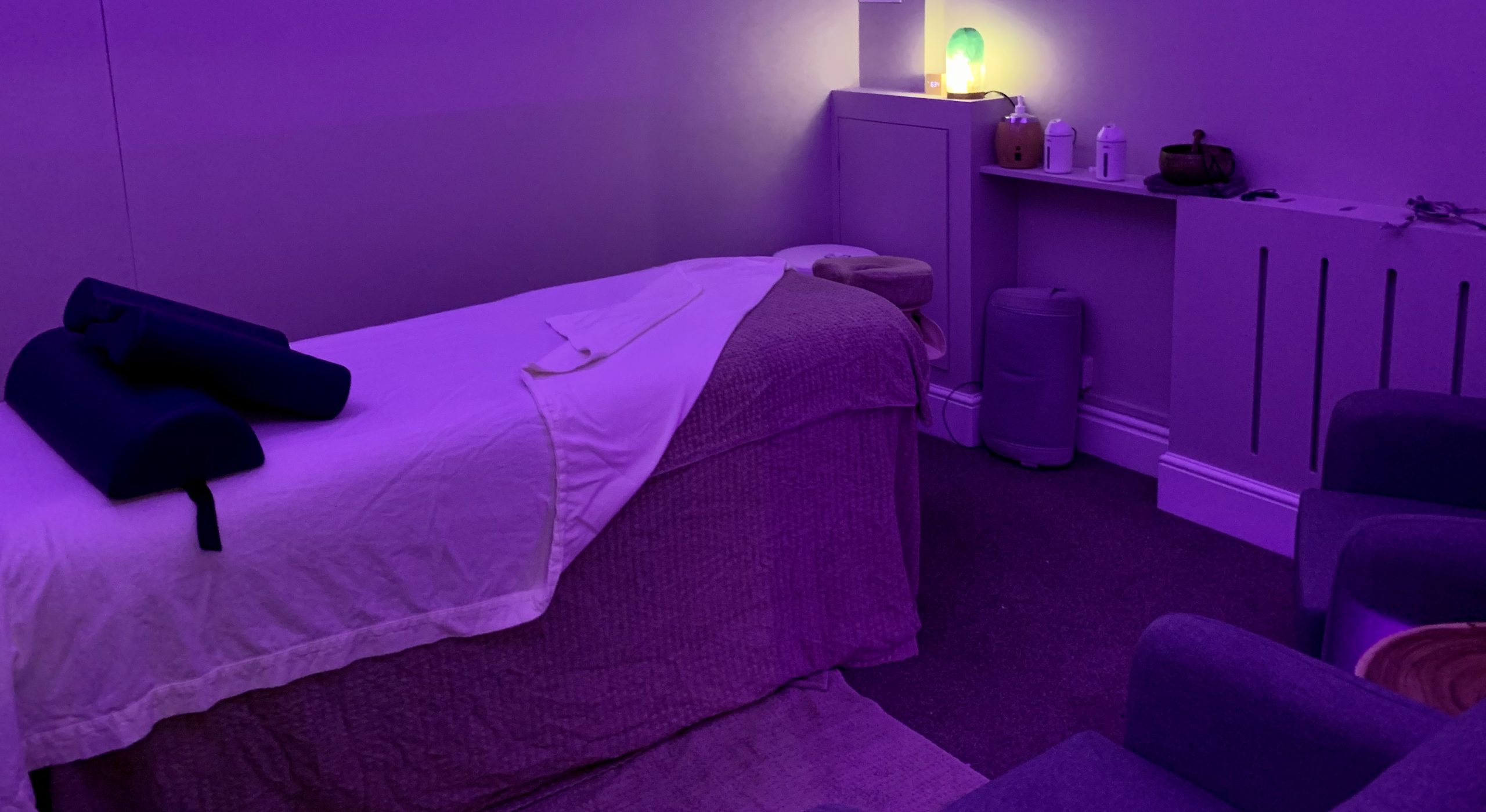 Peaceful lighting for your massage with Blue Frog therapies